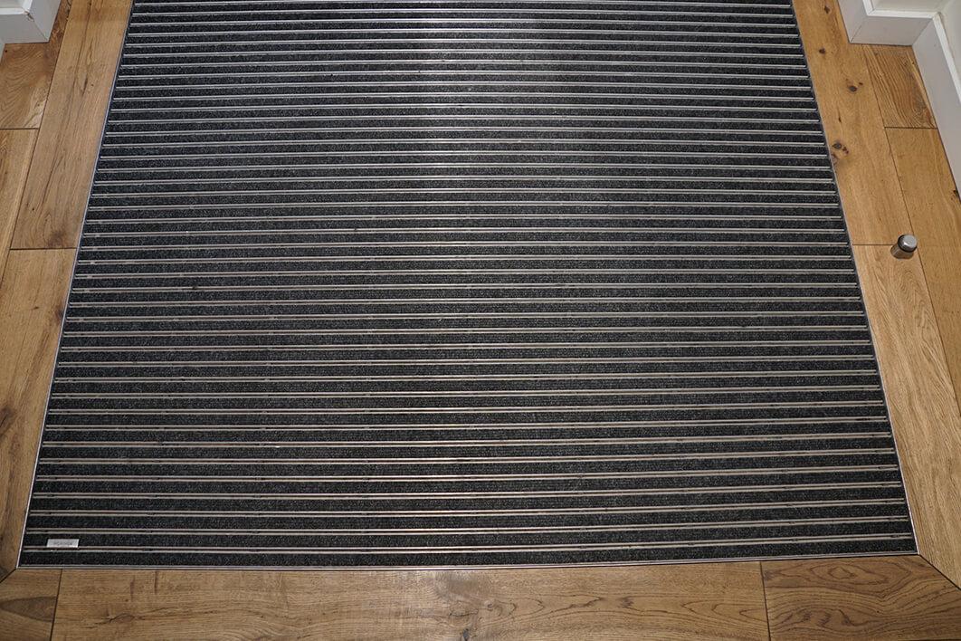 Sauberlaufzone mit Bordüre